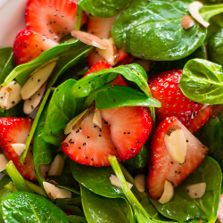 LOW SODIUM LUNCH: Strawberry Spinach Salad